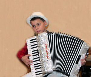 Глиэровцы на конкурсе народных инструментов